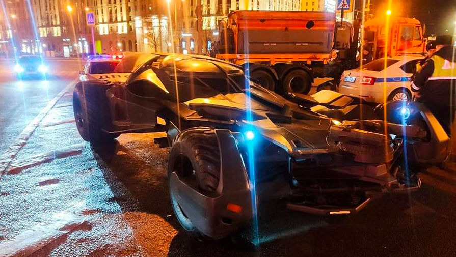 Бэтмобиль в Москве
