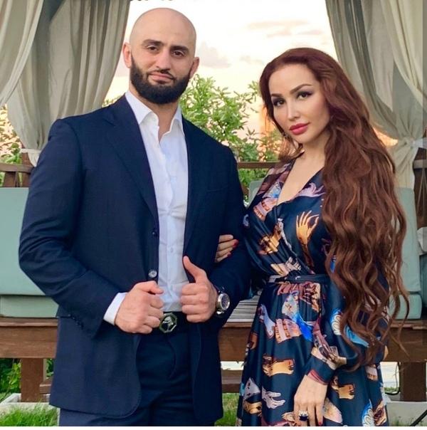 Жена Адама Яндиева Аиша